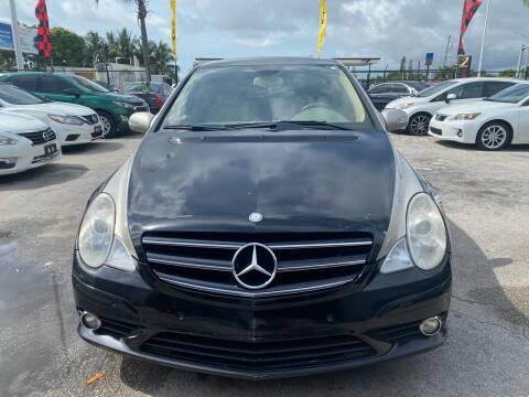 2009 Mercedes-Benz R-Class for sale at America Auto Wholesale Inc in Miami FL