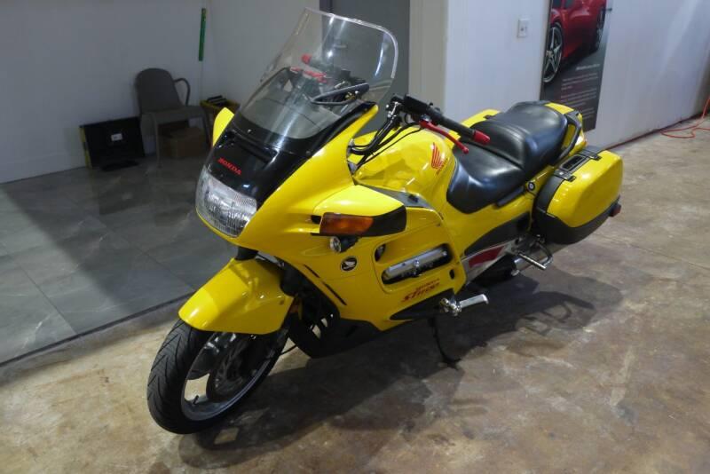 2002 Honda ST1100