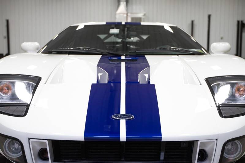 View large image: 2006 Ford GT