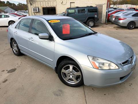 2005 Honda Accord for sale in Des Moines, IA
