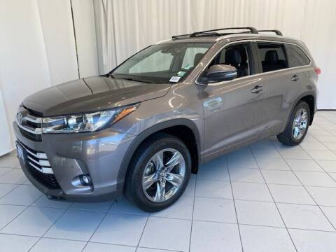 2019 Toyota Highlander for sale at Chevrolet Buick GMC of Puyallup in Puyallup WA