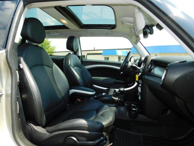 2007 MINI Cooper S 2dr Hatchback - Hopkins MN