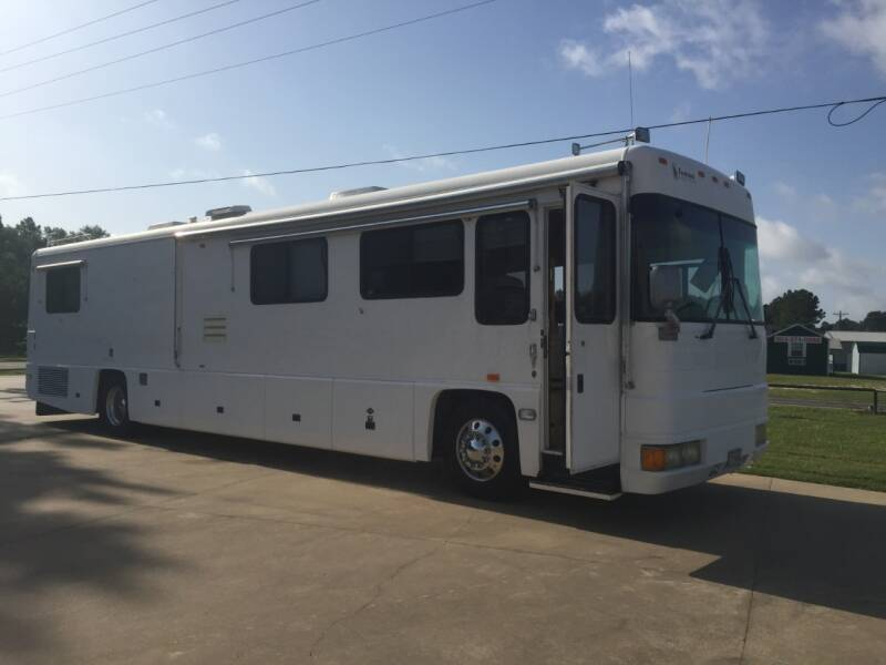1999 Foretravel Unicoach U270 for sale at Custom Auto Sales - RV'S in Longview TX