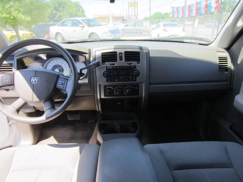 2007 Dodge Dakota SLT 4dr Club Cab SB - San Antonio TX