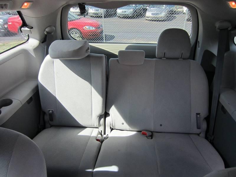 2011 Toyota Sienna 7-Passenger 4dr Mini-Van l4 - San Antonio TX