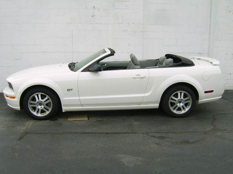 Incroyable 2005 Ford Mustang GT Premium 2dr Convertible   Crystal Lake IL
