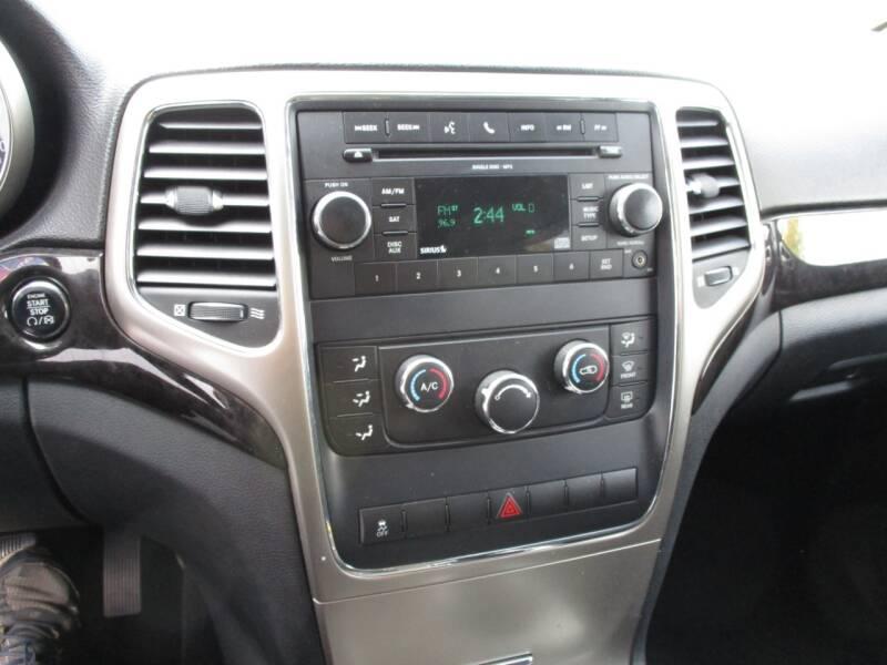 2011 Jeep Grand Cherokee 4x4 Laredo 4dr SUV - Crystal Lake IL