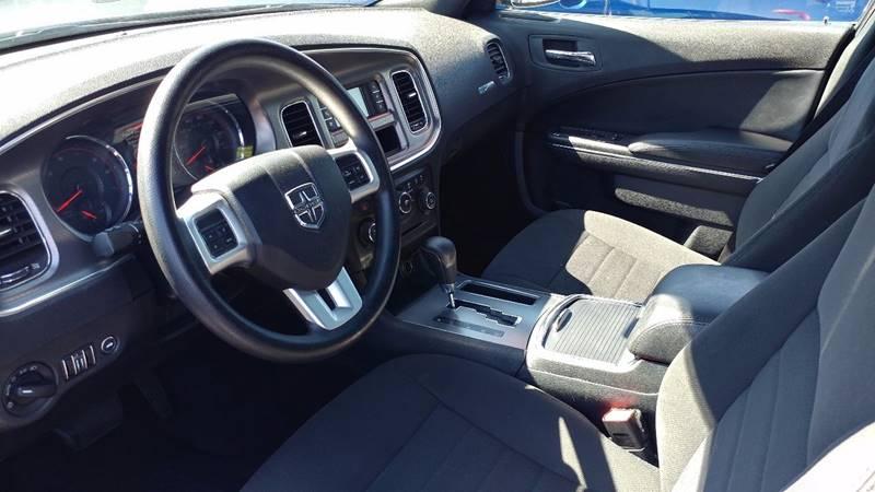 2013 Dodge Charger SE 4dr Sedan - Fort Myers FL