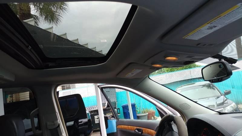 2007 Saturn Outlook XR 4dr SUV - Fort Myers FL