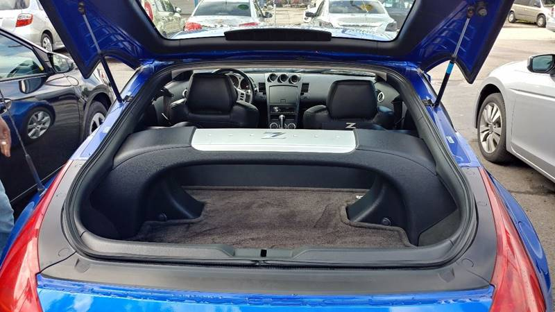 2005 Nissan 350Z for sale at Modern Auto Sales in Fort Myers FL