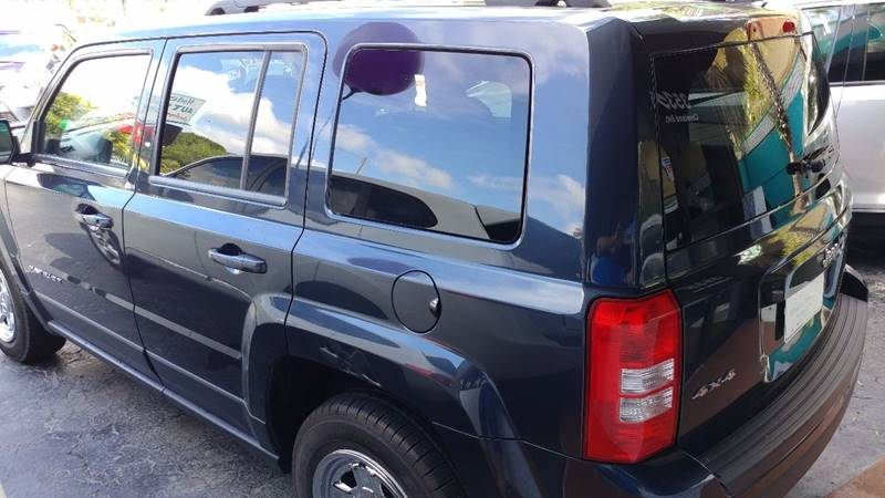 2014 Jeep Patriot for sale at Modern Auto Sales in Fort Myers FL