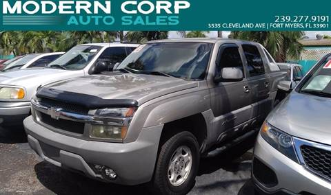 2002 Chevrolet Avalanche for sale at Modern Auto Sales in Fort Myers FL