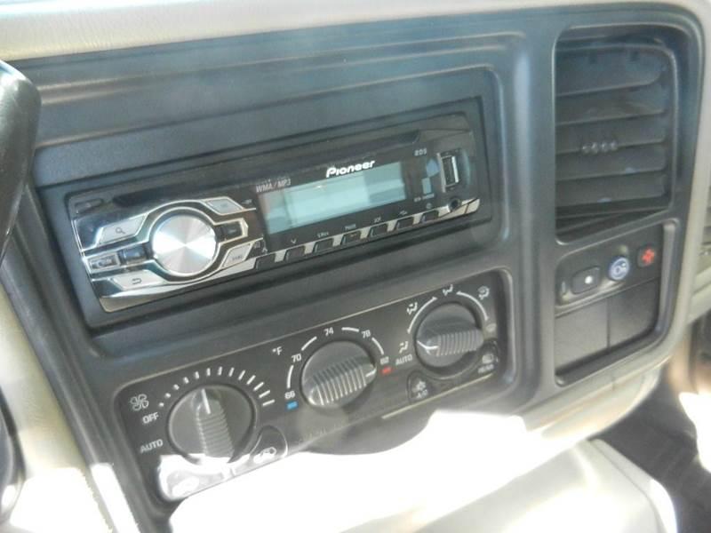 2001 Chevrolet Suburban 1500 LT 4WD 4dr SUV - Longmont CO