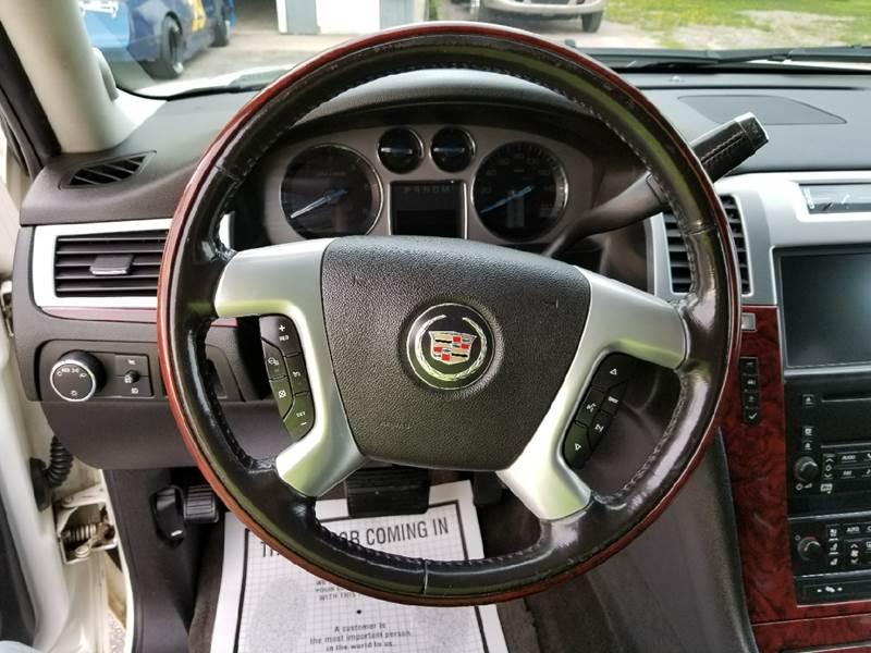 2007 Cadillac Escalade ESV AWD 4dr SUV - North Freedom WI