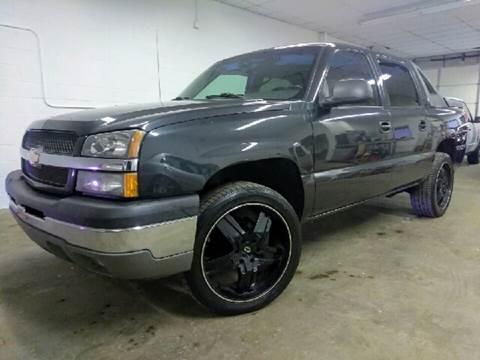 2003 Chevrolet Avalanche for sale at Supreme Carriage in Wauconda IL