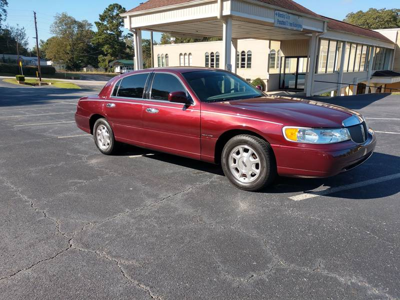 2001 Lincoln Town Car Signature 4dr Sedan In Mableton Ga Wiggles