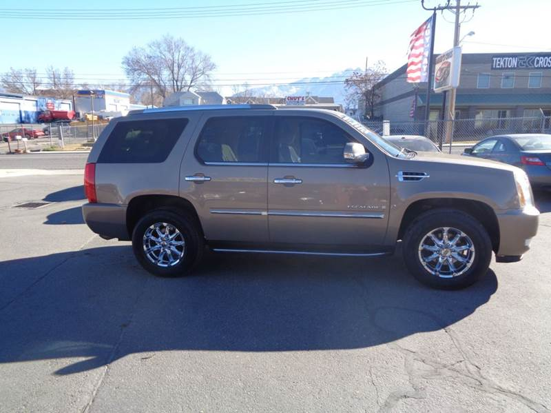 for and auto details elgin sale sales in inventory il m e cadillac at escalade