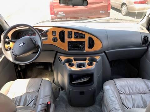 2005 Ford E-250