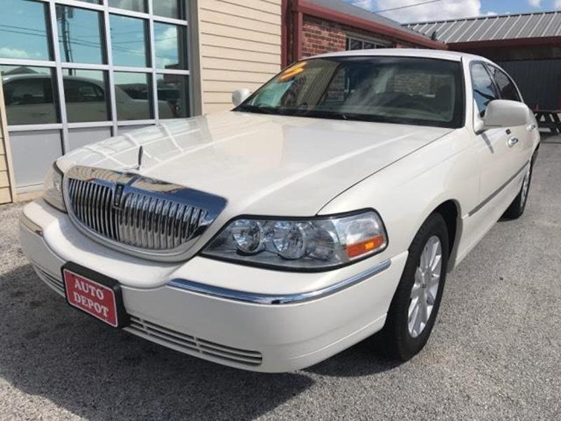 2007 Lincoln Town Car for sale at Auto Depot in Killeen TX