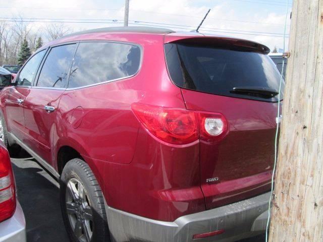 2010 Chevrolet Traverse AWD LT 4dr SUV w/1LT - Warren MI