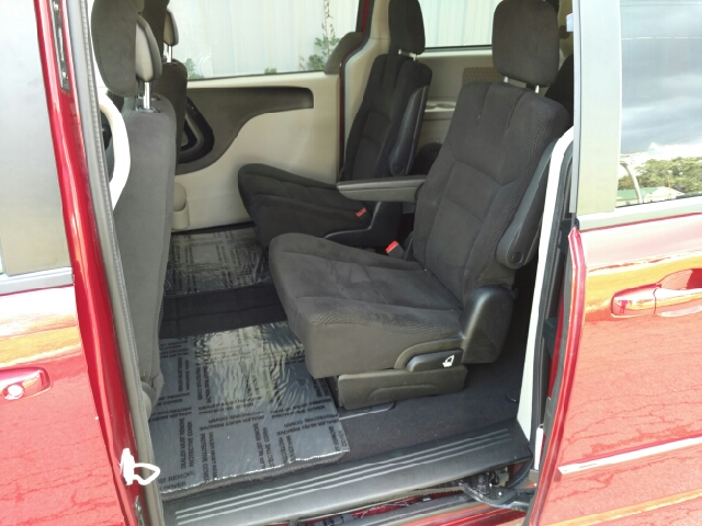 2016 Dodge Grand Caravan SXT 4dr Mini-Van - Amboy IL