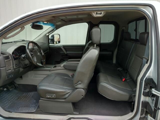 2004 Nissan Titan 4dr King Cab LE 4WD SB - Amboy IL