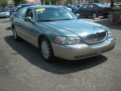 2005 Lincoln Town Car for sale at Automotive Center in Detroit MI