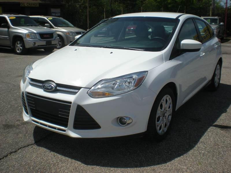 2012 ford focus se 4dr hatchback in detroit mi - automotive center
