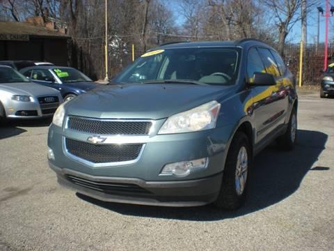 2009 Chevrolet Traverse for sale at Automotive Center in Detroit MI