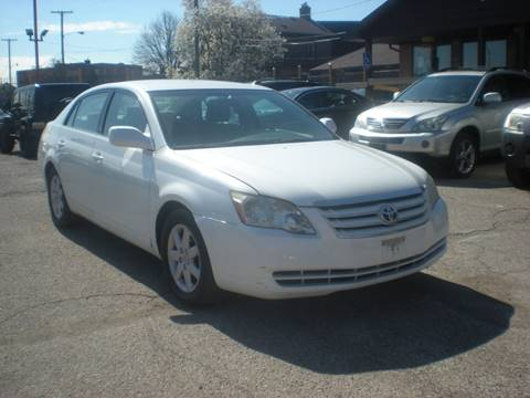 2005 Toyota Avalon for sale at Automotive Center in Detroit MI