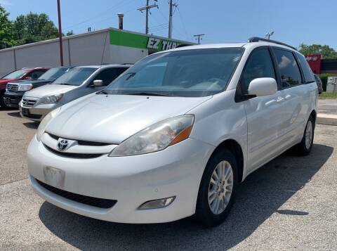 2010 Toyota Sienna for sale at Columbus Car Trader in Reynoldsburg OH