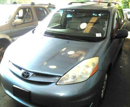 2006 Toyota Sienna for sale at Klassic Cars in Lilburn GA