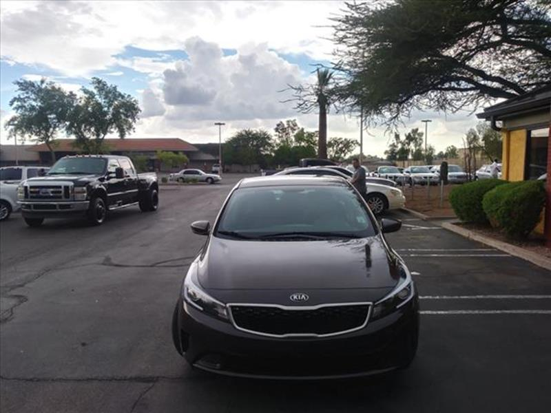 2017 KIA FORTE LX 4DR SEDAN 6A unspecified exhaust tip color stainless-steelgrille color blackm
