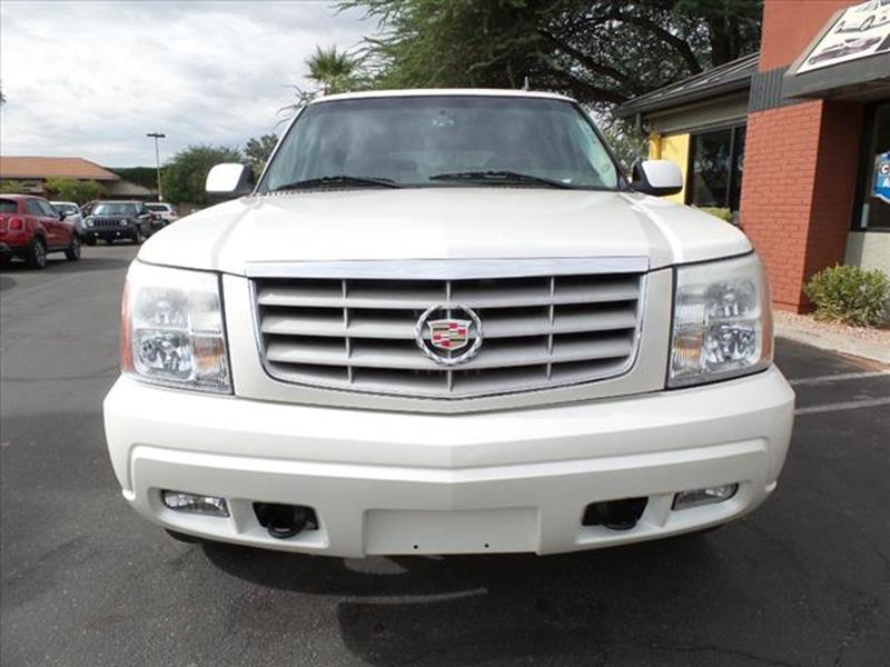 2006 CADILLAC ESCALADE BASE AWD 4DR SUV off white running boardstowing and hauling tow hookstow