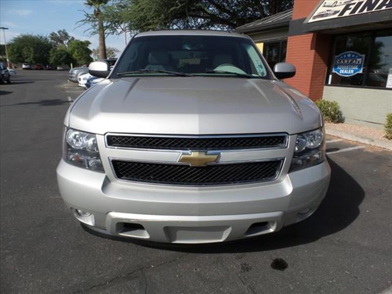 2007 CHEVROLET TAHOE LT 4DR SUV silver running boards steptowing and hauling trailer hitcharmre