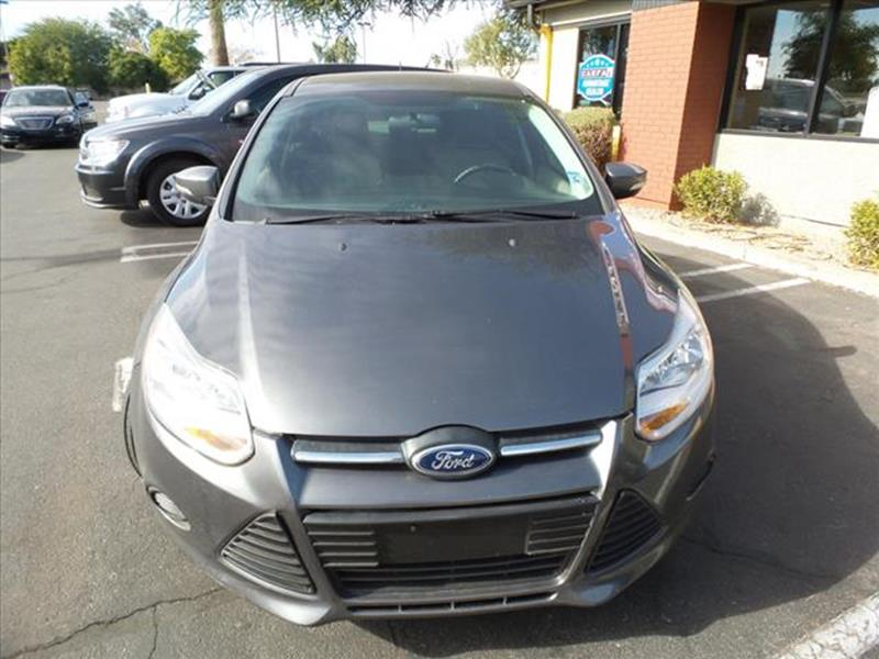2013 FORD FOCUS SE 4DR SEDAN gray grille color black with chrome accentsmirror color body-color