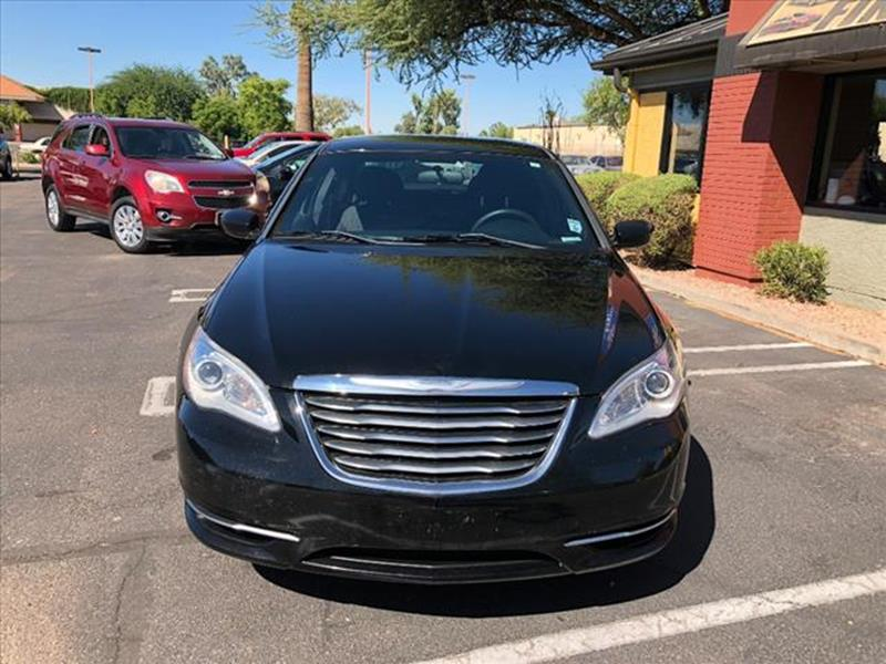 2013 CHRYSLER 200 LX 4DR SEDAN unspecified grille color chrome accentsgrille color greymirror c