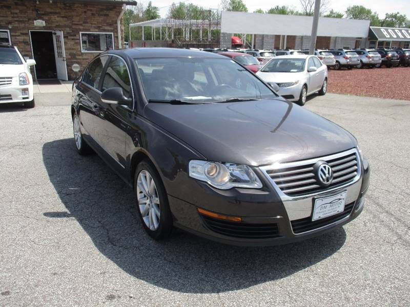2006 Volkswagen Passat 2.0T 4dr Sedan w/Automatic - Maple Heights OH