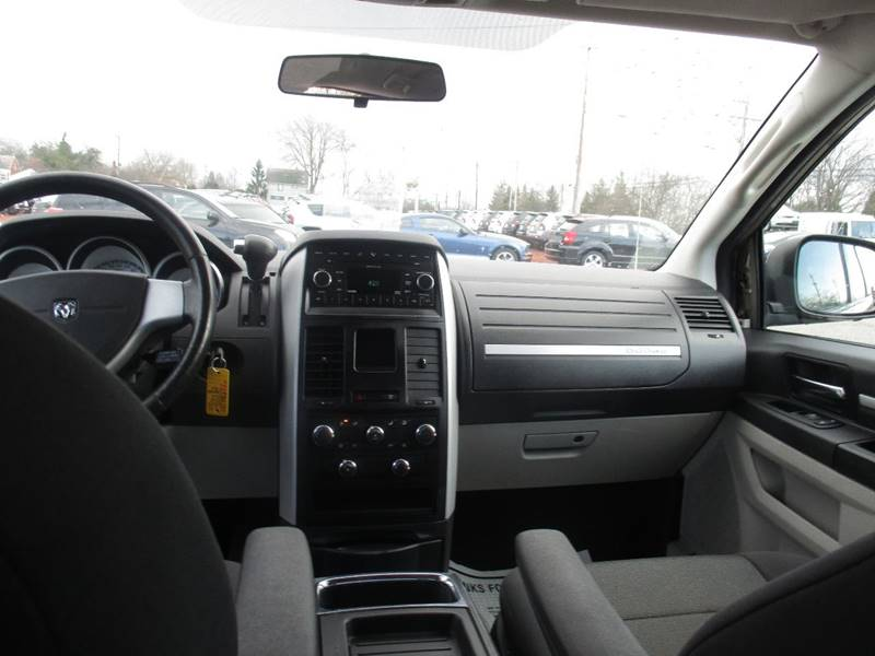 2008 Dodge Grand Caravan SXT Extended Mini-Van 4dr - Maple Heights OH