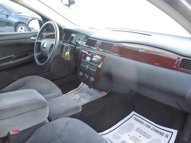 2006 Chevrolet Impala LS 4dr Sedan - Maple Heights OH