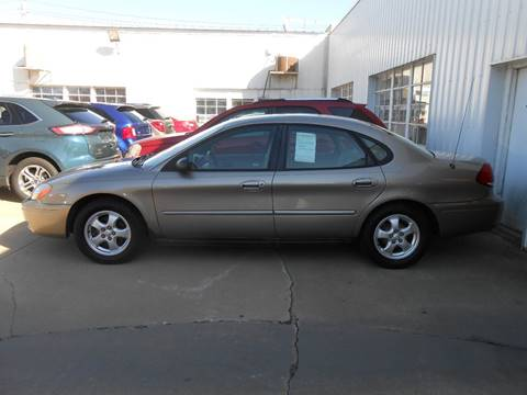 2005 Ford Taurus for sale in Waverly IA