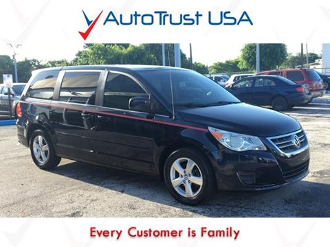 2010 Volkswagen Routan for sale in Miami, FL