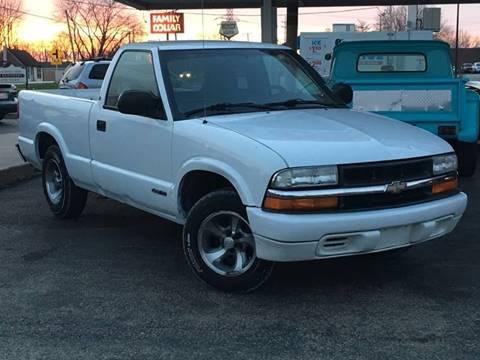 2000 Chevrolet S-10 for sale in Wilmington, IL