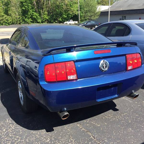 2006 Ford Mustang V6 Standard 2dr Coupe - Fort Wayne IN