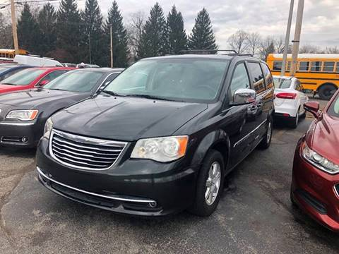 2012 Chrysler Town and Country for sale in Fort Wayne, IN