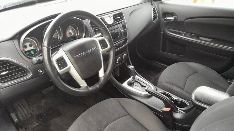 2013 Chrysler 200 Touring 4dr Sedan - Fort Wayne IN