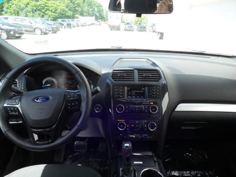 2017 Ford Explorer AWD XLT 4dr SUV - Franklin WI