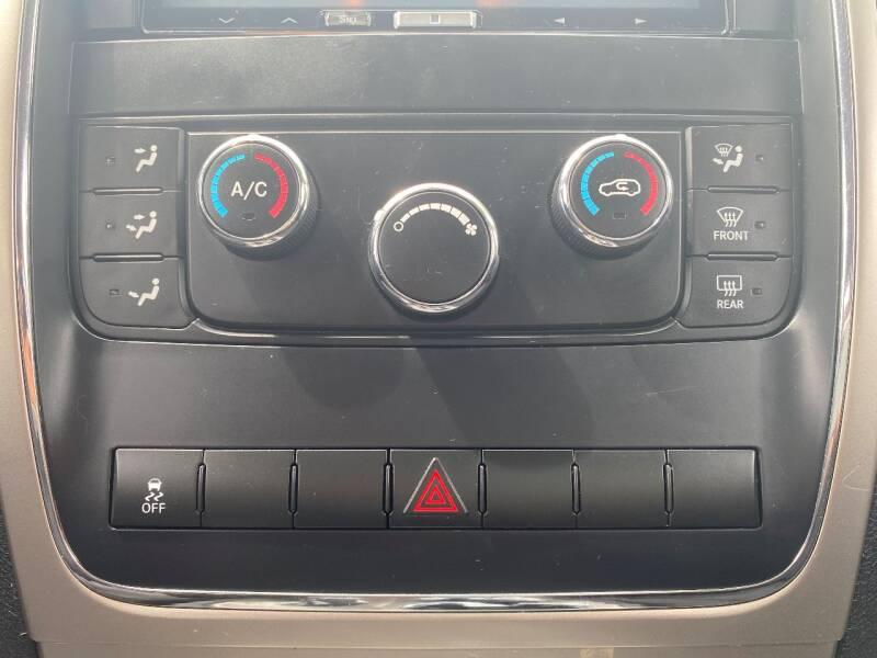 2011 Jeep Grand Cherokee 4x4 Laredo 4dr SUV - Woodburn OR