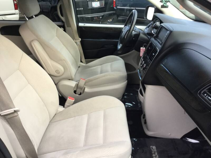 2017 Dodge Grand Caravan SE Plus 4dr Mini-Van - Woodburn OR
