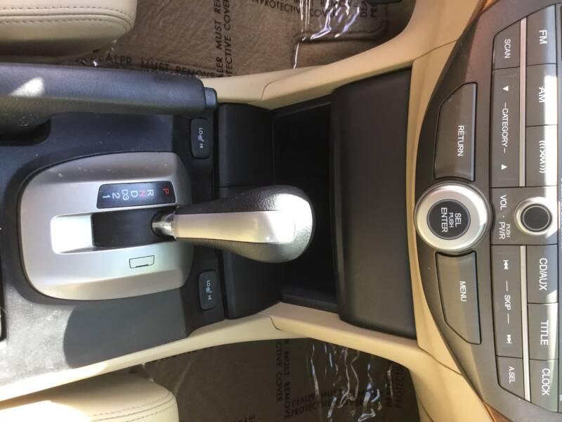 2010 Honda Accord EX-L V6 4dr Sedan - Woodburn OR